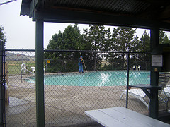 swiming pool cleaning